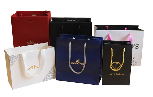Custom logo printed luxury paper shopping bag, logo printed paper bag
