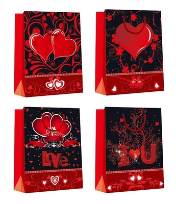 China Customized Luxury Shopping Glossy Paper Bags for Valentine's Day eco-friendly distributor